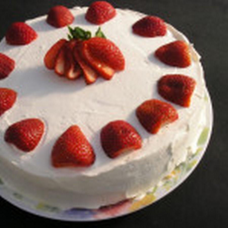 Бисквитно-творожный торт с фруктами. Рецепт с фото