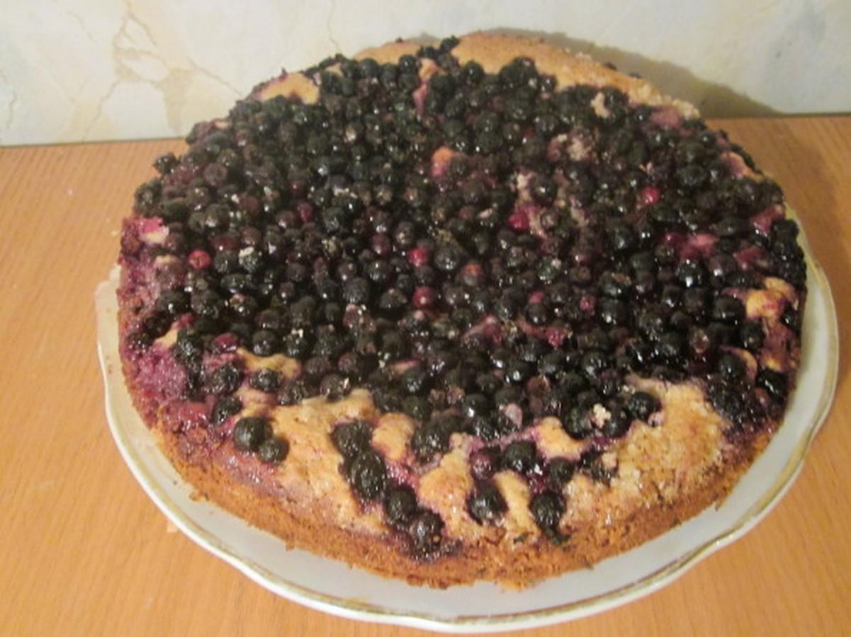 Песочный пирог из замороженных ягод рецепт