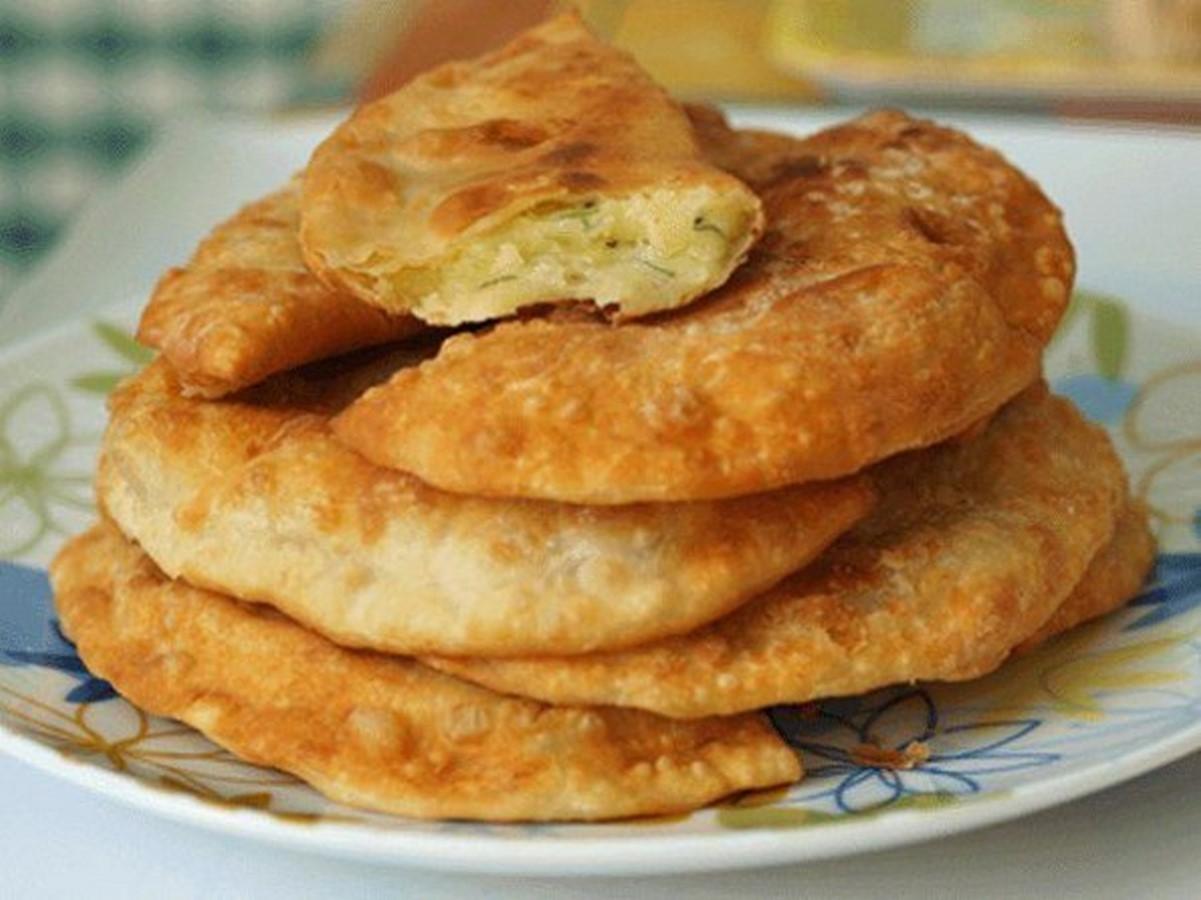 Чебуреки с картофелем и сыром рецепт с пошаговый