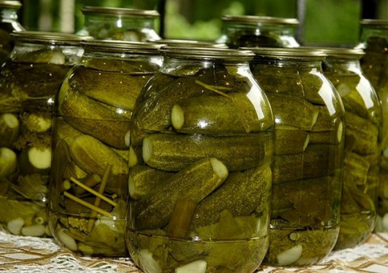 Рецепт соленых огурцов на зиму пошагово
