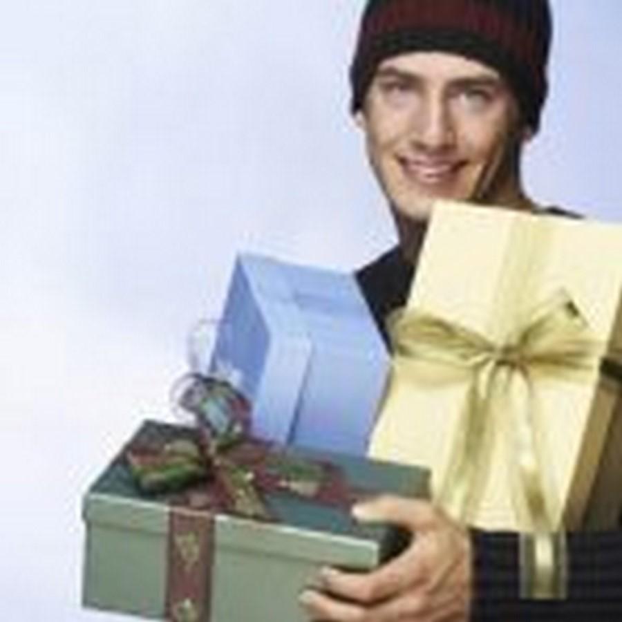 Что подарить мужу, мужчине, парню на Новый год-2017? Список подарков с фото. Недорогие и оригинальные подарки для мужчин