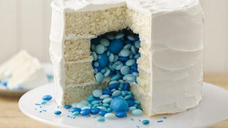 торт-пиньята