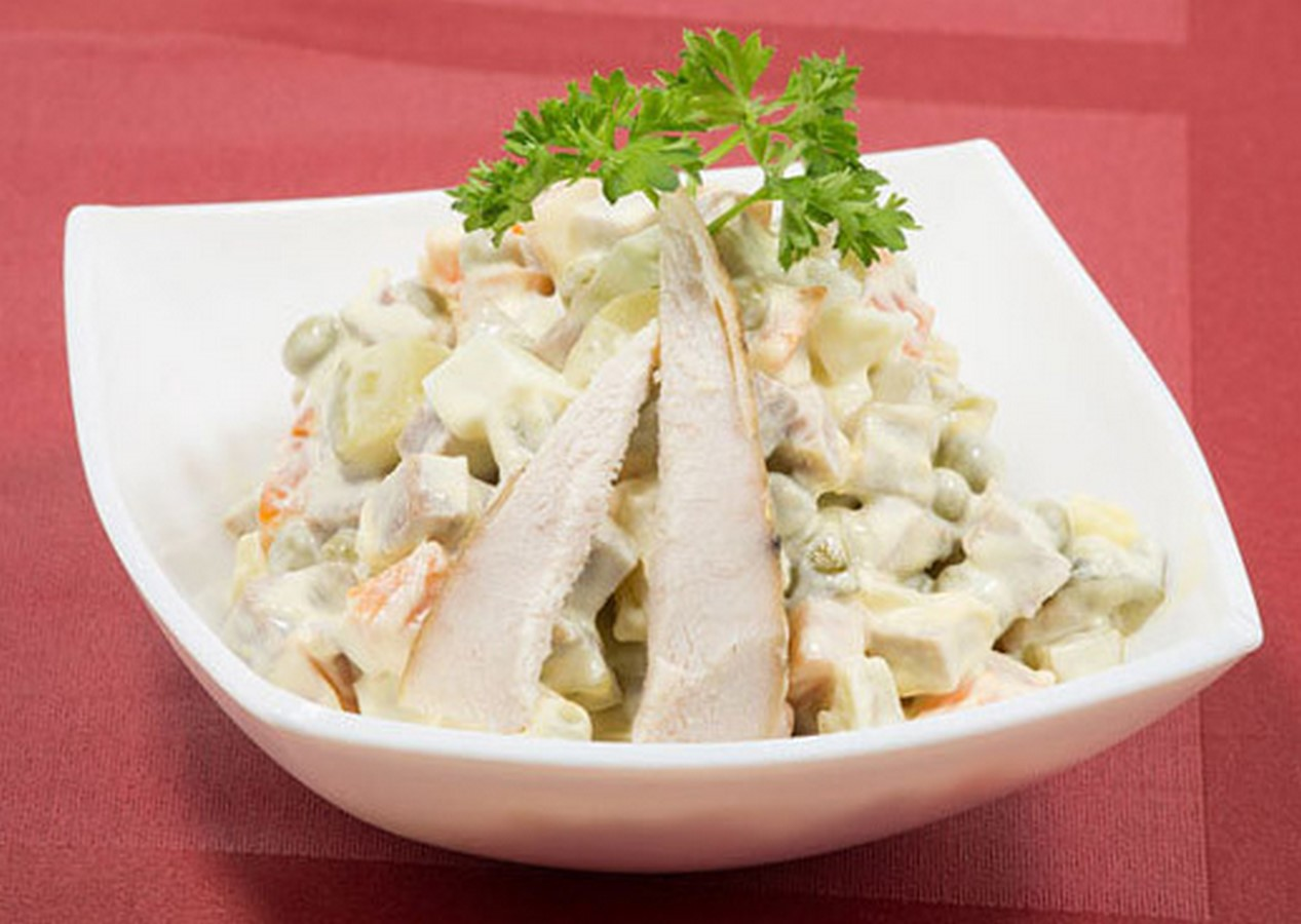 салат столичный с курицей и солеными огурцами tortomarafon.ru