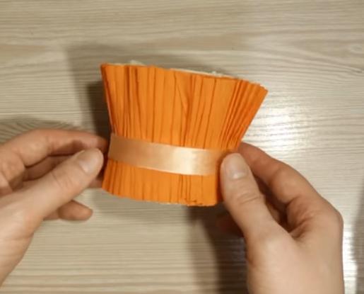 корзиночка из гофрированной бумаги